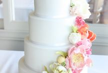 Floral Wedding Cakes / These look way to beautiful to eat!