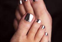 Kynsilakat/Painted nails