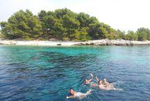 Islas cerca de Dubrovnik en velero. / Viajes de una semana en velero durmiendo cada noche en una isla distinta.