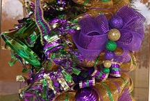 Madri Gras Wreathes / by Tracy Kersey