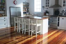 Flooring and decking / Examples of recycled Australian hardwood flooring and decking made by Round 2 Timbers.