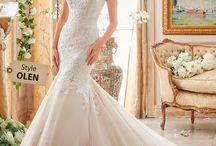 Bridal Fall 2016 / Colección Fall Bridal 2016  ¡Agenda una cita con nosotros! #bridal #bride #novias2016 #bridaldressestrends #bridaldress #wedding #weddingspo #novias #noviasbogota #noviasperu #casadenovias #housebrides