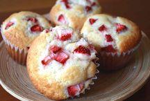 Recipes: Donuts/Muffins/Scones / by Jeeun Kim