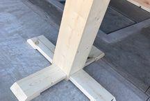 Round table pedestals