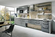 Kuchyně Easy - plánované kuchyně na míru / Kuchyně Easy mají výhody, které oceníte. Easy plánovač - desítky variant nové kuchyně během pár minut. Preciznost a kvalita za skvělou cenu, tvarově dokonalý design. Perfektní tlumení a komfort zavírání díky kování značky Hettich. Snadná montáž - všechny skříňky EASY jsou již smontované