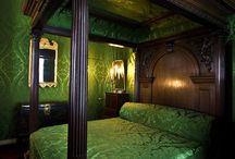 bedroom / by Jodi Stuard