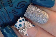 Teal silver polkadot nails