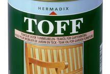 TOFF teakolie en Teak-cleaner / Hermadix TOFF teakolie en E-OFF hardhoutolie zijn speciaal ontwikkeld voor teakhouten en hardhouten tuinmeubelen. De bijzondere samenstelling op basis van speciale oliën garandeert het behoud van het natuurlijke karakter van het kostbare hardhout. De oliën  zijn waterafstotend en voorkomen vervuiling en vergrijzing. De behandeling, met name de liggende delen, jaarlijks herhalen. Hiermee beschermt, onderhoudt en herstelt u het mooie hardhout.
