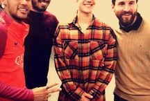 Neymar , Justin Bieber , Luis Suarez i Lionel Messi