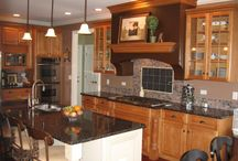 Kitchens / Kitchens designed and built by Hardin Builders