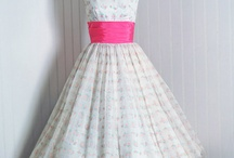 I Like this Vintage 1950's dress