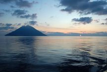 Aeolian Islands / Snav hydrofoils to the Aeolian islands link Naples with the archipelago offering a quick and pleasant journey. From May to September, every day Snav brings you to Stromboli, Panarea, Salina, Vulcano and Lipari, offering a comfortable and safe journey.