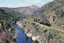 Rio Tua / Linha do Tua  |  Tua river / railroad / Uma quase memória. Com o enchimento da barragem, imagens de um património natural único que desaparece.