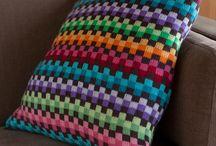 Värikäs tyyny