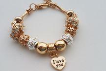 pulseiras douradas