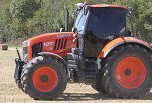 Tractors / Excavators 久保田