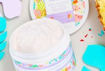Scentsy Body / Skin / Scentsy Body - Fragrance that feels good Scentsy Body helps you express your individuality through fragrance while nourishing your skin with vitamin-rich formulas. And that feels good. Explore our expressive scents, and find the ones that feel like YOU.
