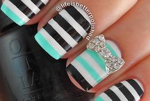 Stripes nails