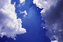 Skies and clouds / Passer-by wonders