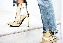 botas e sandálias