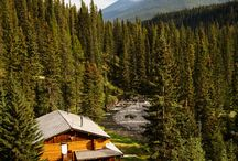 Back Country Lodge - Sundance / Sundance Lodge is the perfect retreat. With 10 rooms, this cozy lodge is is a gentle 16km hike, horse ride, ski or snowshoe from the town of Banff!