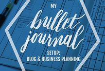 Bullet Journalling / I love bullet journals. If you can't seem to plan with a fancy planner, then this is the solution for you.