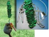 Squirrel Feeders / Feeders to attract squirrels and chipmunks