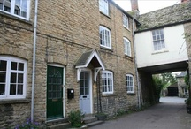"Dreamhouse # 3, Chipping Norton / I found this listing from rightmove.co.uk  It's described as ""...A three storey period cottage in the quiet secluded location of Distons Lane and close walking distance of the town centre"""