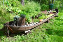 Maalaistalon piha ja puutarha / Gardening