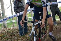 L'Avenir Cycliste Touraine au Cyclo-cross de St Pierre des Corps - 1er novembre 2014 / Cyclo-cross des Grands Arbres à St Pierre des Corps avec Thomas MONTOIS qui termine 3ème, Corentin BARUET, Anthony MURILLO, Laurent FREDEVEAUX.