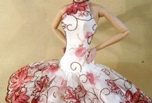 Doll fashion / Doll clothing! Patterns, tutorials, and examples of gorgeous doll fashion.