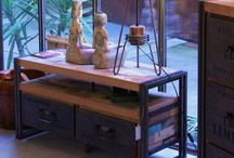 Rue de Siam - meubles design industriels / Design: découvrez nos collections de meubles industriels KLEO, NEO et SIXTIES Ces collections de meubles au style industriel associent le bois recyclé et le métal.  Elle ont été imaginées par notre designer français installé en Indonésie. A partir de bois de bateaux indonésiens, Olivier a su mixer les ingrédients d'une tendance déco industrielle réussie : le bois et le métal sont présents pour donner aux meubles l'énergie du style Factory, tempérée par la nostalgie de l'atelier d'artiste.