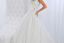 Wedding Gowns and Accessories / by Yuria Garcia