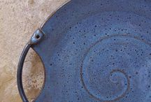 Pottery : Plates and Platters
