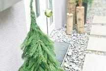 vánoční strom u dveří