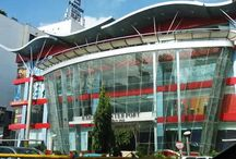 CAU Mall / CAU Mall is located 4 kilometers from the international airport, 1 kilometer from the Inter State Tram Station and within radius of 5 kilometers from the residential hub of green city. It is shopping cum entertainment mall.Inaugration will be done by Mr. Manohar Singh, the Hon'ble Union Minister of Urban Development on 30 june.