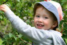 Chapeaux enfant / Tout les chapeaux pour enfants sont uniques et doublés de coton pour assurer une bonne aération et sont facilement lavables à la main.