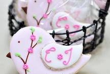 Cookies, Cupcakes & Cakes / by Rebecca Jurriaans