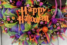 Fun Halloween ideas / Glam up your Halloween with these fun, girly, and glitter filled DIY ideas.