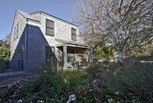 Cottage in town / Renovation and addition to a small guest cottage