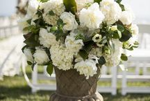 All Dressed in White / Nisie's Enchanted Florist's wedding ceremony in white! Irresistable and elegant and timeless...