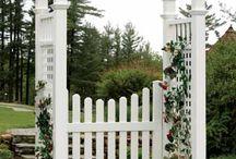 Gate pegolas