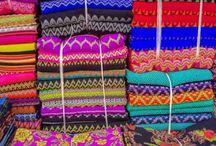 Artesanato e mercado de rua / Artesanato e mercados de rua no mundo. Souvenires coloridos, comida de rua, feiras de legumes, verduras e carnes, feiras de artesanato e todos os cantos do mundo para fazer compras. By Adriana Lage