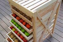 Food and kitchen storage
