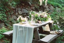 The Deco / Weddings & Elopements / Inspirations for how to decorate your outdoors elopement venue and ceremony : props, carpets, arches, flowers