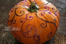 Halloween Crafts / by Elyse Nakashima