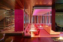 """SUITE ROSE / Suite Rosé es el espacio con identidad propia en THE HALL. La zona más sugerente y femenina,  con un guiño al interiorismo de las discotecas vintage de Madrid.  Una propuesta diferente y divertida para tus momentos más """"Rosé"""". ¡Disfrútalo! www.thehall.es/es/suiterose/"""