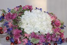 Frisyrer & Blommor & Fina tankar  i ord  / Exempel på fina frisyrer, blommor av alla de slag & krukor. Fina tankar i ord