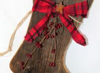 Santa barn wood boot