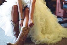 Wedding Photo Ideas / by Belinda Gillespie-Trudeau